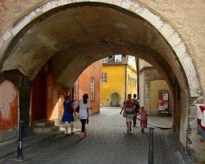 魔女の宅急便 トンネル